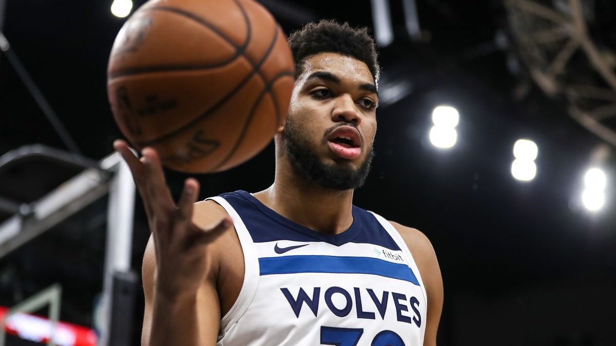 Karl Anthony Towns Rockets