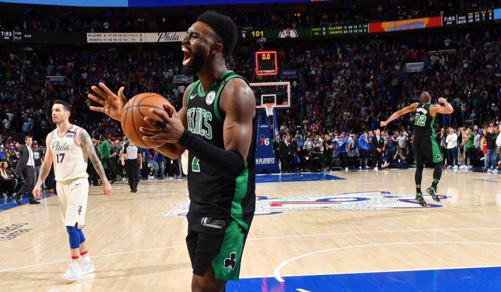 En overtime, les Celtics tapent les Sixers à Philadelphia !