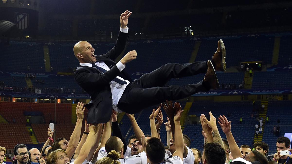 Les hommages à Zinedine Zidane après l'annonce de son départ