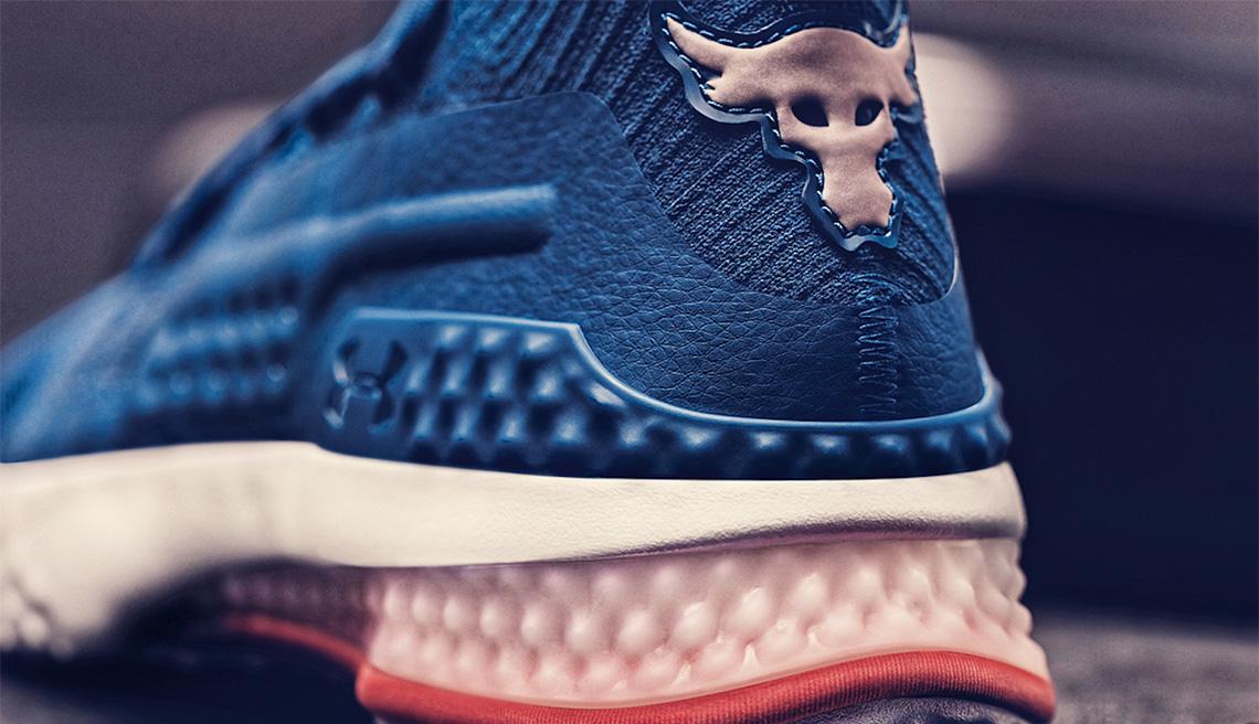 Johnson Ses Dévoile Dwayne Premières Shoes Project Rock Signature 1 Nn0Ov8mw