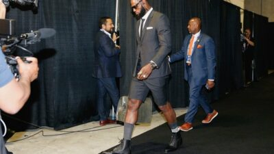 LeBron James suit short Game 1 Warriors