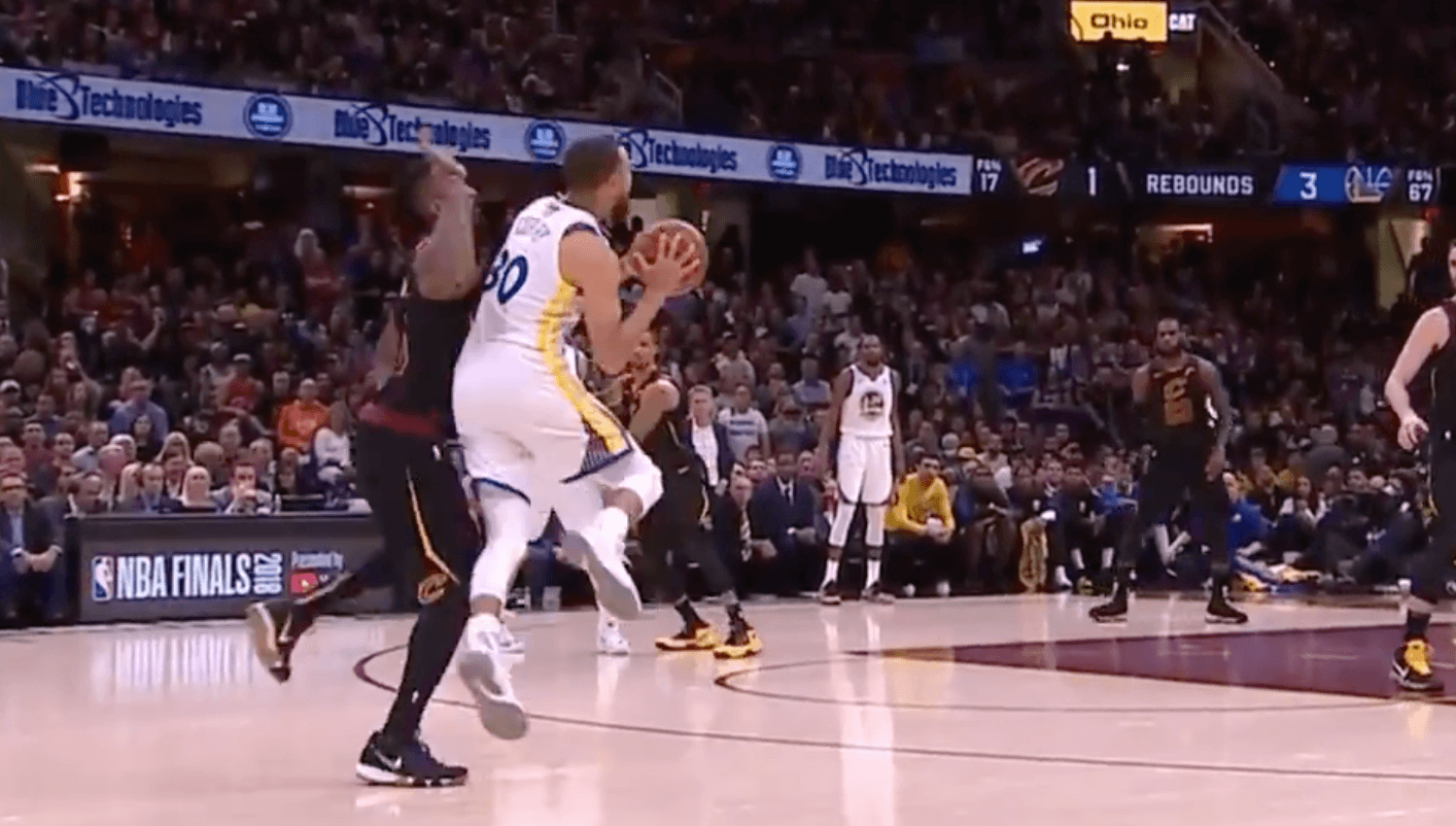 Stephen Curry trois points JR Smith