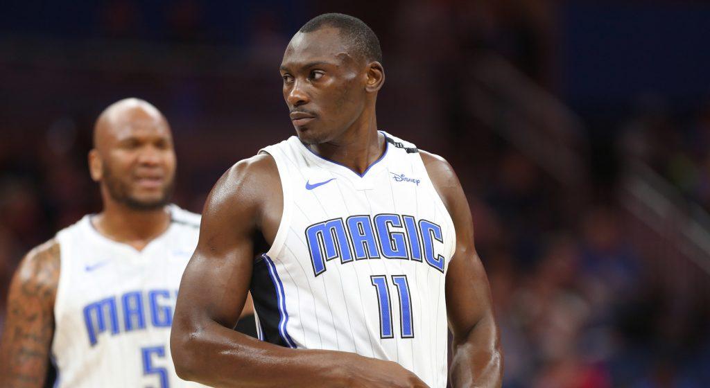 Biyombo débarque aux Hornets dans un trade à trois équipes