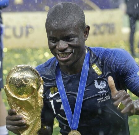 Nzonzi a apporté la Coupe à un N'Golo Kanté trop timide pour la demander