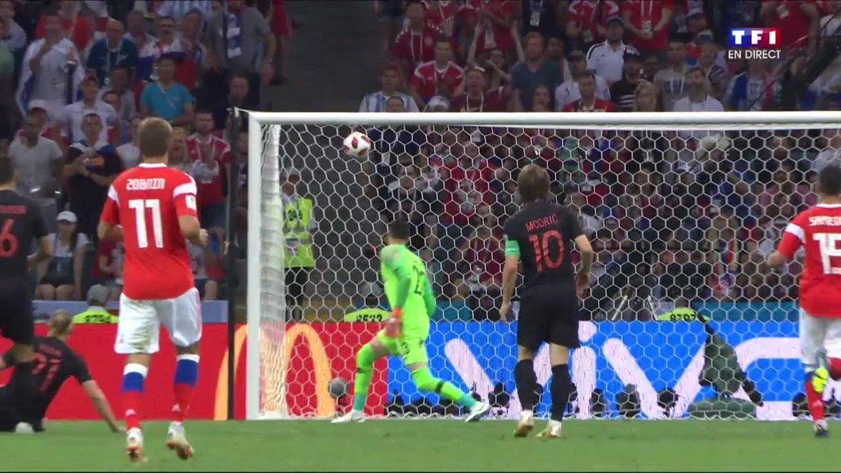 La Russie marque un but de dingue pour ouvrir le score !