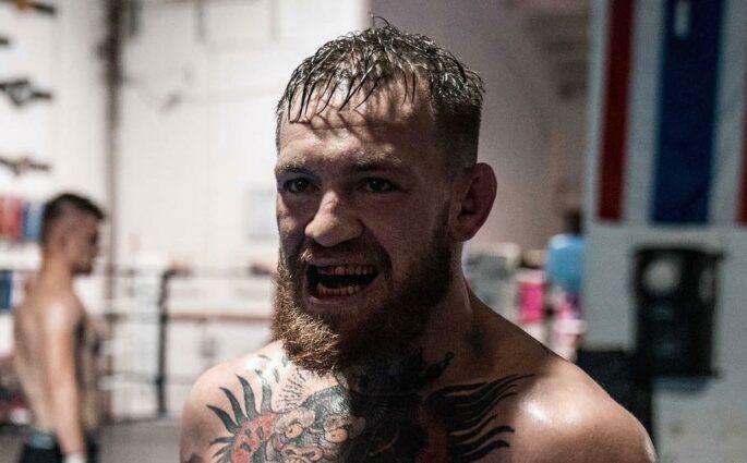 Conor McGregor s'attaque au père de Khabib Nurmagomedov