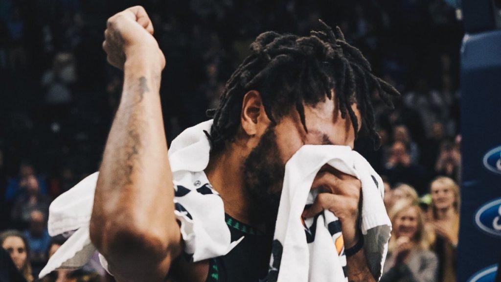 Les stars de la ligue rendent hommage à Derrick Rose