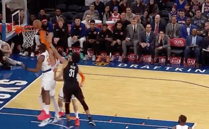 New York Knicks dunk