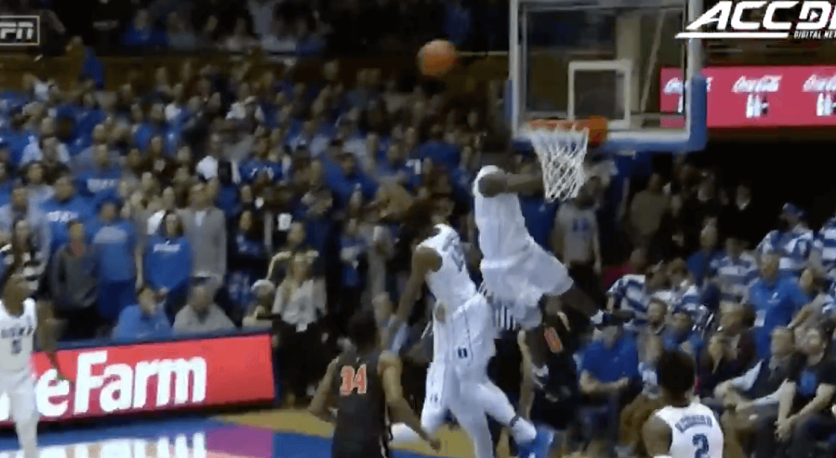 Zion Williamson block