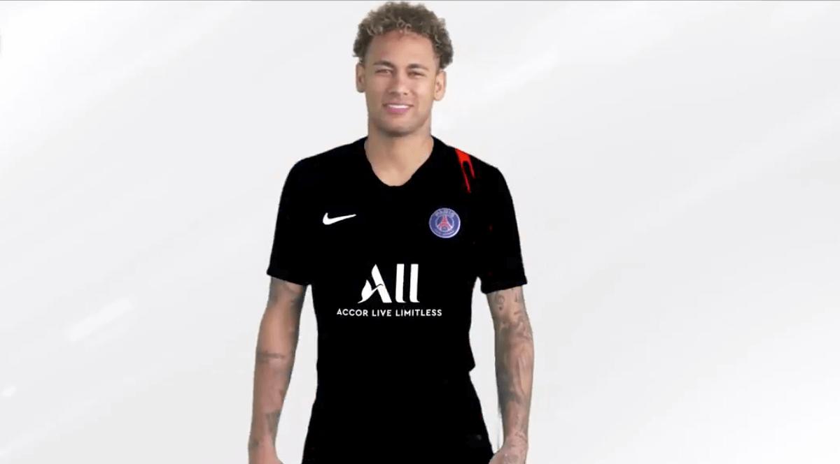 en taille M-L Maillot de foot PSG accor live limitless !