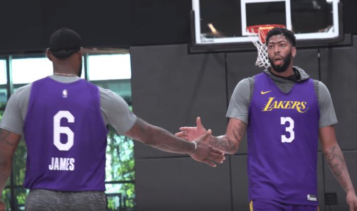 Lakers Anthony Davis LeBron James