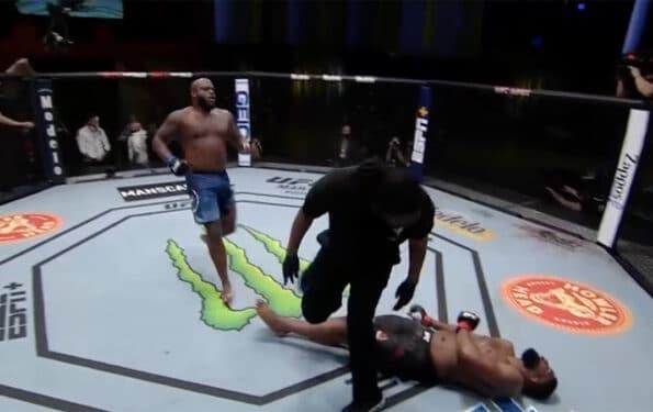 Derrick Lewis KO Curtis Blaydes UFC